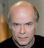 Né le 23 avril 1948 à Verneuil-sur-Avre dans l'Eure, est un écrivain. Il a été lauréat du prix Goncourt 2002 pour Les Ombres errantes. Violoncelliste. Son court roman Tous les matins du monde, a été adapté au cinéma par Alain Corneau. Élève de 12ème en 7ème.