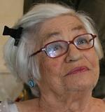 """(9 novembre 1925, Petroșani, Roumanie - 28 janvier 2014, Paris), déportée à Auschwitz, fait partie de l'Orchestre des femmes d'Auschwitz. Survivante de la Shoah, elle témoigne de son passé dans un ouvrage """"Sanglots longs des violons de la mort"""""""