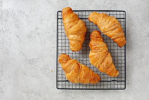 croissants-PM7SXDE.jpg