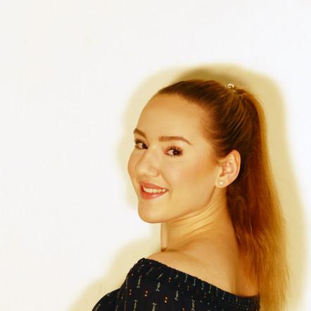 Alicia Reuss Probenassistenz im Praktikum, Tänzerin