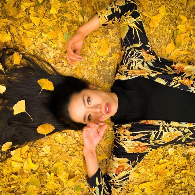 autumn leaves photoshoot🍁