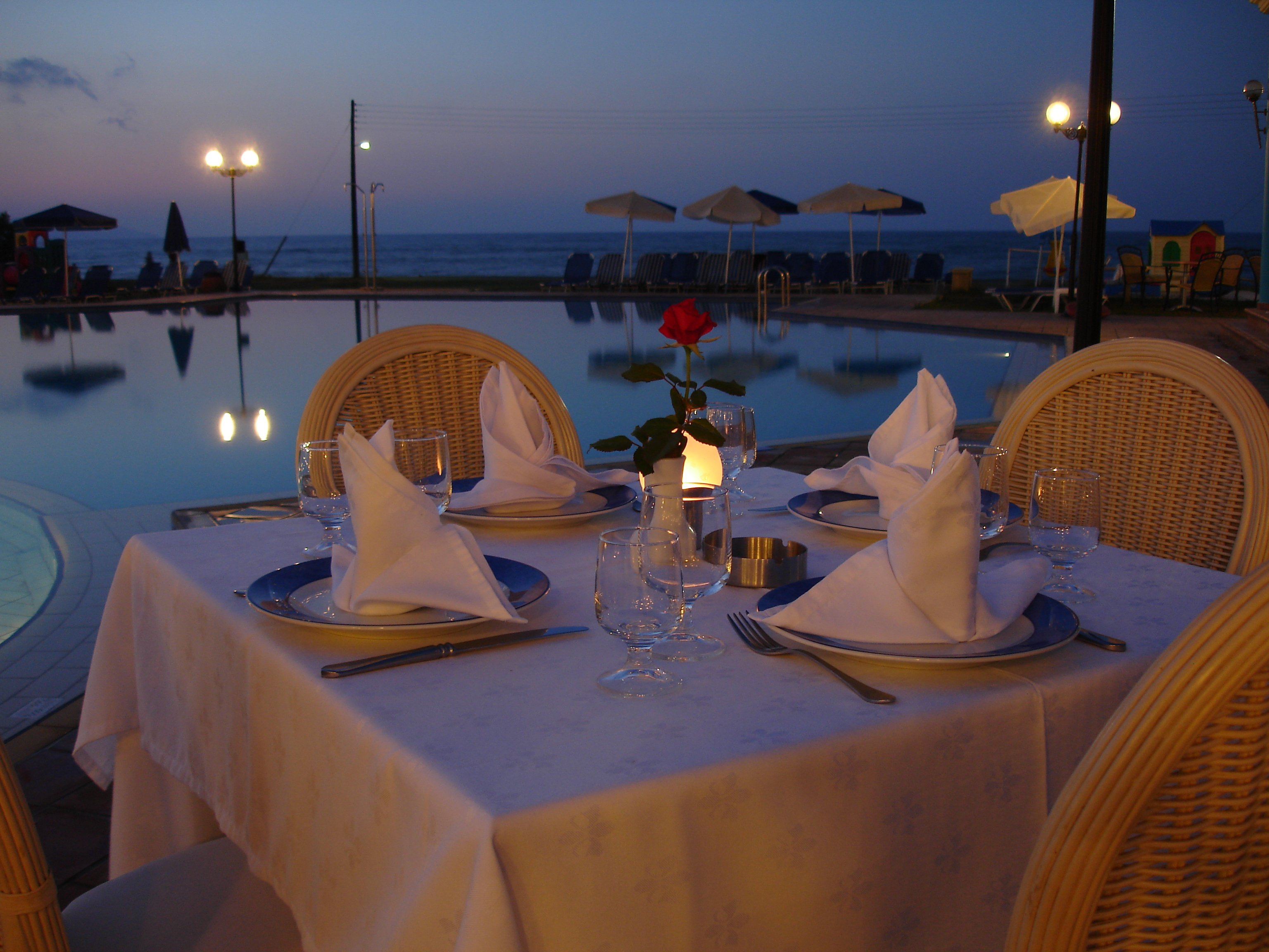 night restaurant romantic
