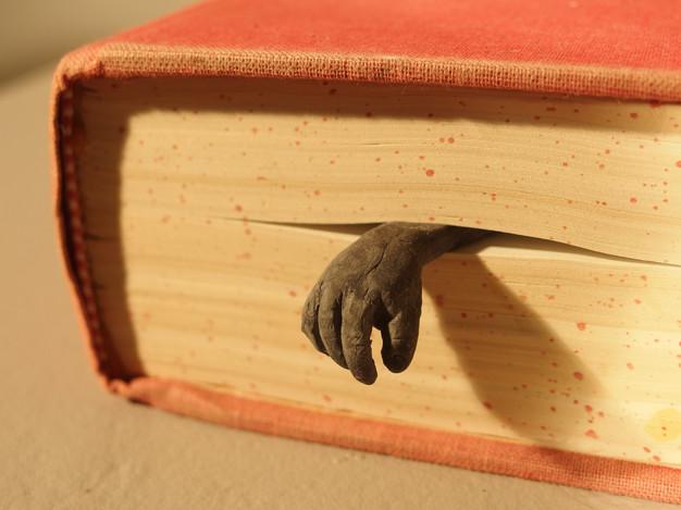 The Tired Bookmark_Leu