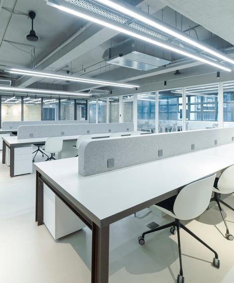 108梁山 Fixed desk