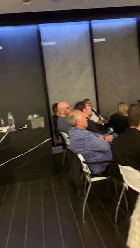הרצאה לפני טייסת הנדלן.