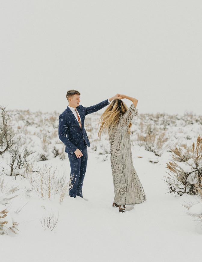 Snowy Bridal Photo Shoot