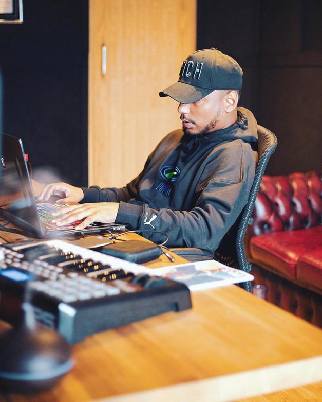 Studio with Rudekid