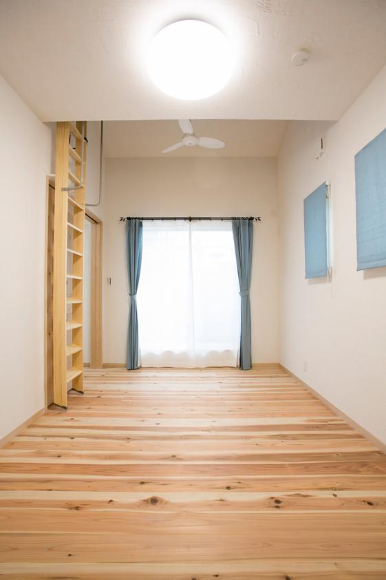 寝屋川 0宣言の家 出雲建築設計 大阪 東大阪 注文住宅 健康住宅 自然素材の家 洋室 ロフト 無垢床 奇跡の杉 低温乾燥 フィトンチッド
