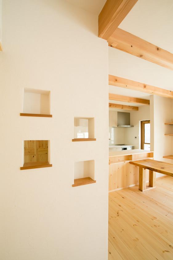 八尾 0宣言の家 出雲建築設計 大阪 東大阪 注文住宅 健康住宅 自然素材の家 LDK スペイン漆喰 調湿 無垢フローリング 壁開口
