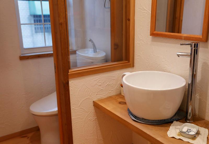 大阪 0宣言の家 出雲建築設計 東大阪 自然素材リフォーム 健康住宅 自然素材の家 オリジナル洗面 トイレ スペイン漆喰塗り 消臭効果