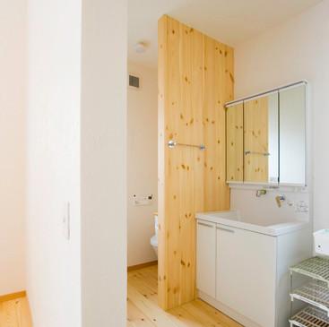 枚方 0宣言の家 出雲建築設計 大阪 東大阪 健康住宅 自然素材の家 洗濯脱衣室 無垢フローリング 調湿