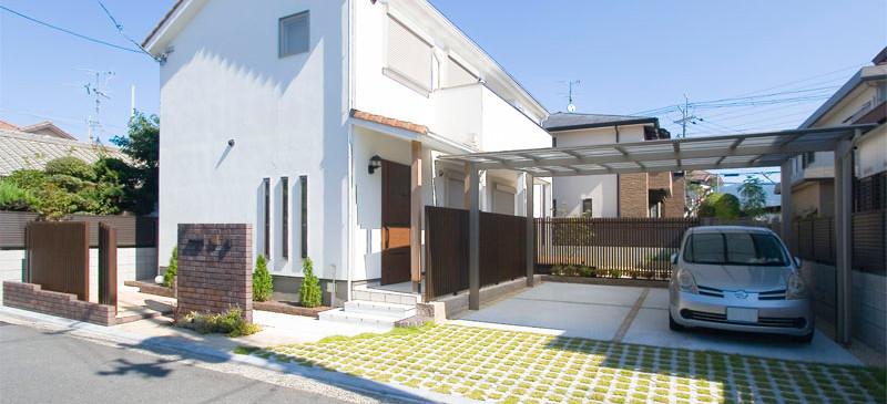 八尾 0宣言の家 出雲建築設計 大阪 東大阪 自由設計 健康住宅 自然素材の家 外観 断熱玄関ドア 樹脂サッシ 国産陶器瓦 遮熱壁