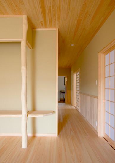和歌山 0宣言の家 出雲建築設計 大阪 東大阪 注文住宅 健康住宅 自然素材の家 和風 内観 玄関ホール 化粧柱