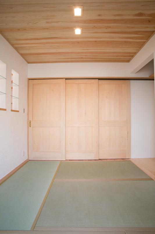 寝屋川 0宣言の家 出雲建築設計 大阪 東大阪 自由設計 健康住宅 自然素材の家 和室 天然い草畳 天井無垢板貼り 3枚連動無垢建具