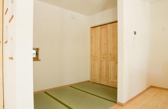 八尾 0宣言の家 出雲建築設計 大阪 東大阪 自由設計 健康住宅 自然素材の家 畳コーナー 健康畳 天然い草 ホルムアルデヒド除去 空気浄化