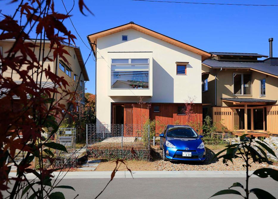 里山 設計士の家 住人十色 注文住宅 健康住宅 自然素材の家 外観 外壁塗り壁 無垢板貼り