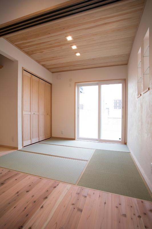 寝屋川 0宣言の家 出雲建築設計 大阪 東大阪 自由設計 健康住宅 自然素材の家 和室 天然い草畳 床の間 収納 無垢建具 シックハウス対策