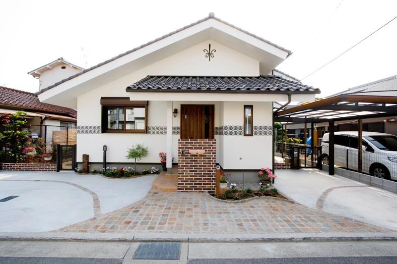 堺 0宣言の家 出雲建築設計 大阪 東大阪 自由設計 健康住宅 自然素材住宅 外観 遮熱塗り壁 ライムストーン 外断熱 外構 カーポート 完成見学会