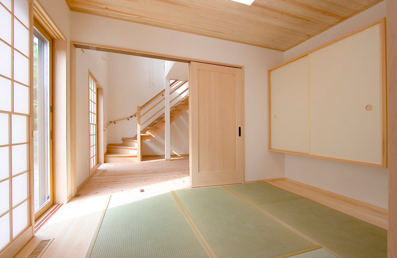 奈良 0宣言の家 出雲建築設計 大阪 東大阪 注文住宅 健康住宅 自然素材の家 和室 吊押入れ 間仕切り無垢建具 内障子 天井無垢板貼り 天然い草畳 シックハウス対策