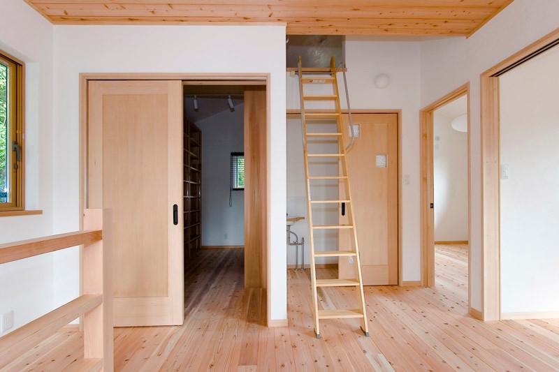 奈良 0宣言の家 出雲建築設計 大阪 東大阪 自由設計 健康住宅 自然素材の家 無垢フローリング 調湿 内装無垢扉 ロフト
