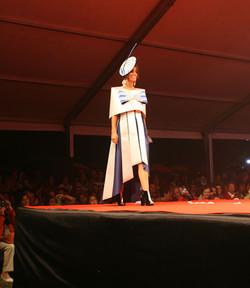 2013_Primer_premio_de_la_sección_de_corte_y_confección_-_Crepúsculo_-_de_Maite_Trueba
