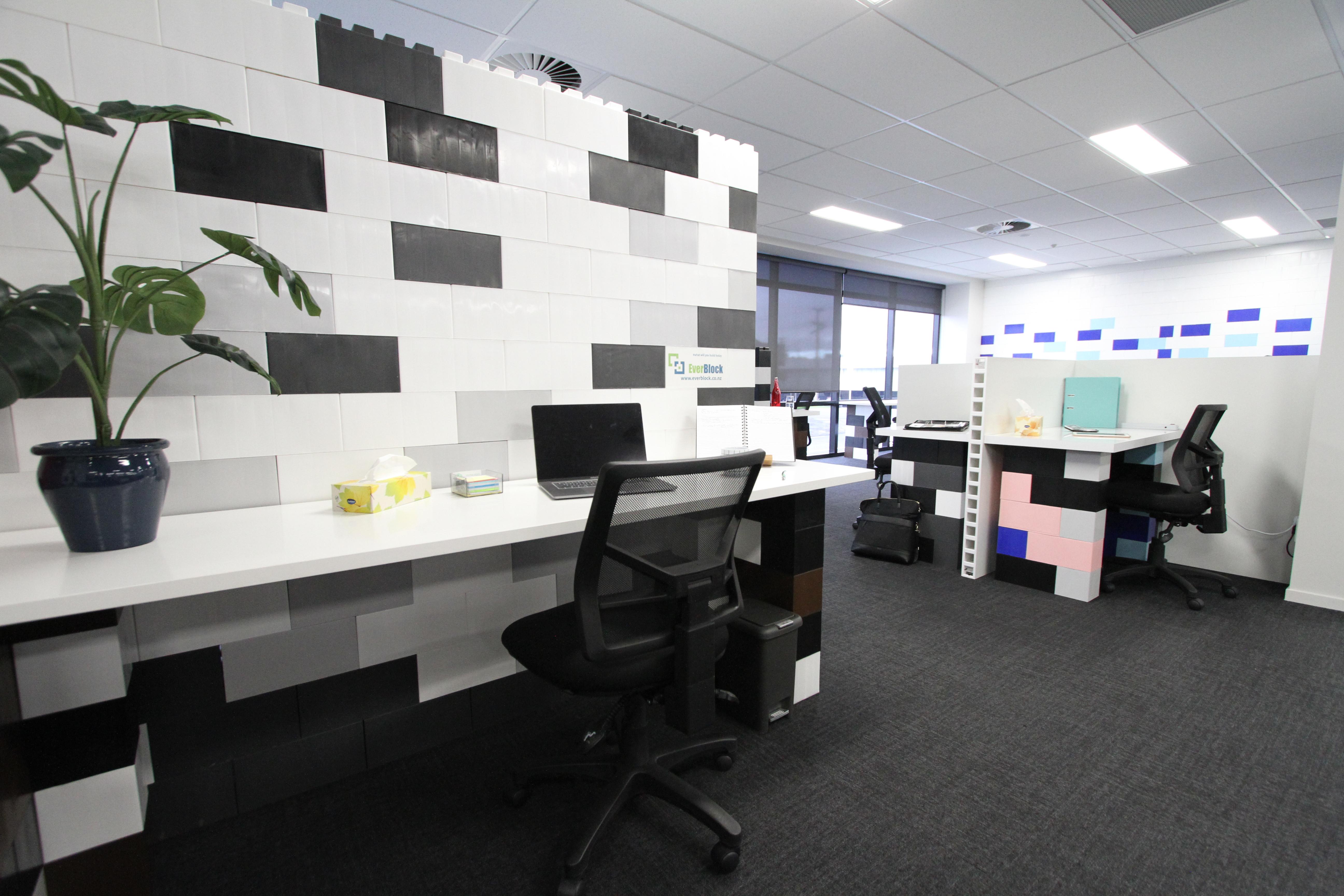 Monthly Hot Desk