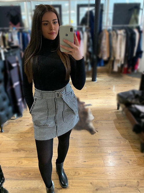 GUESS Dog-tooth Belted Skirt