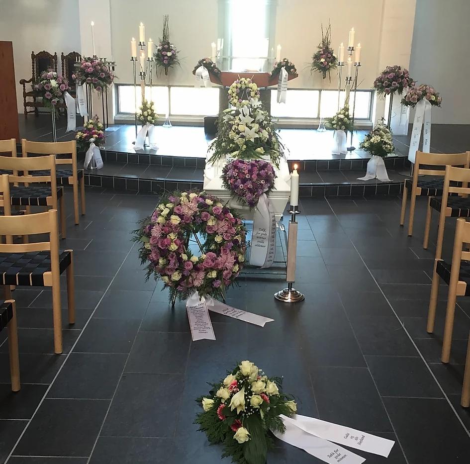 nova-begravelse-kiste-bisettelse16.webp