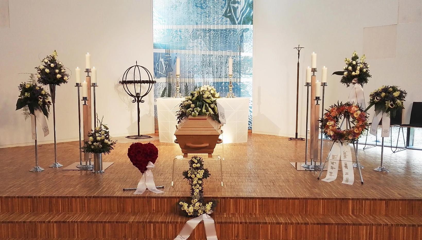 nova-begravelse-kiste-bisettelse07.webp