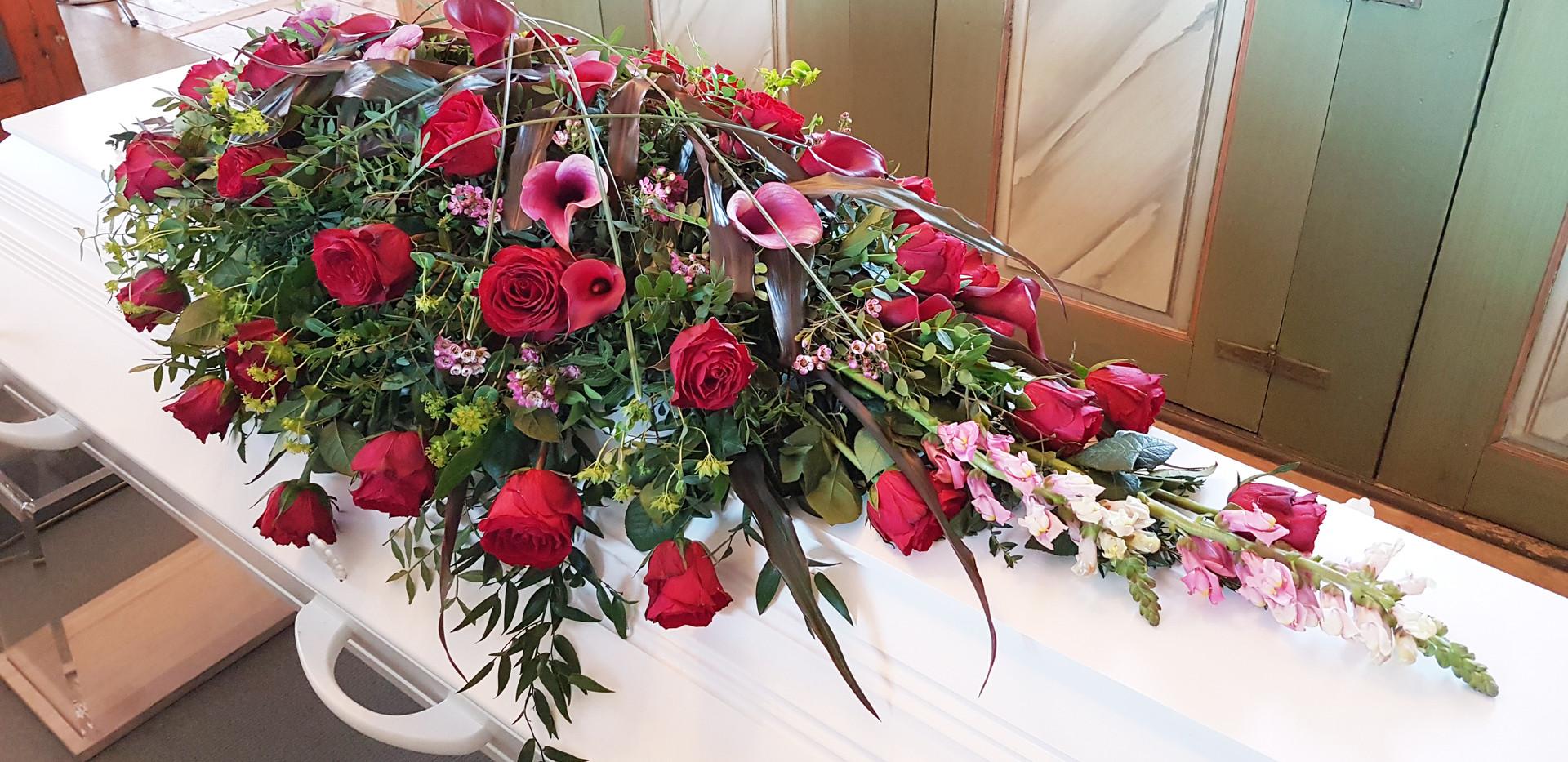 nova-begravelse-kiste-bisettelse06.jpg