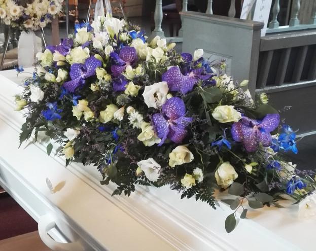 nova-begravelse-kiste-bisettelse04.jpg