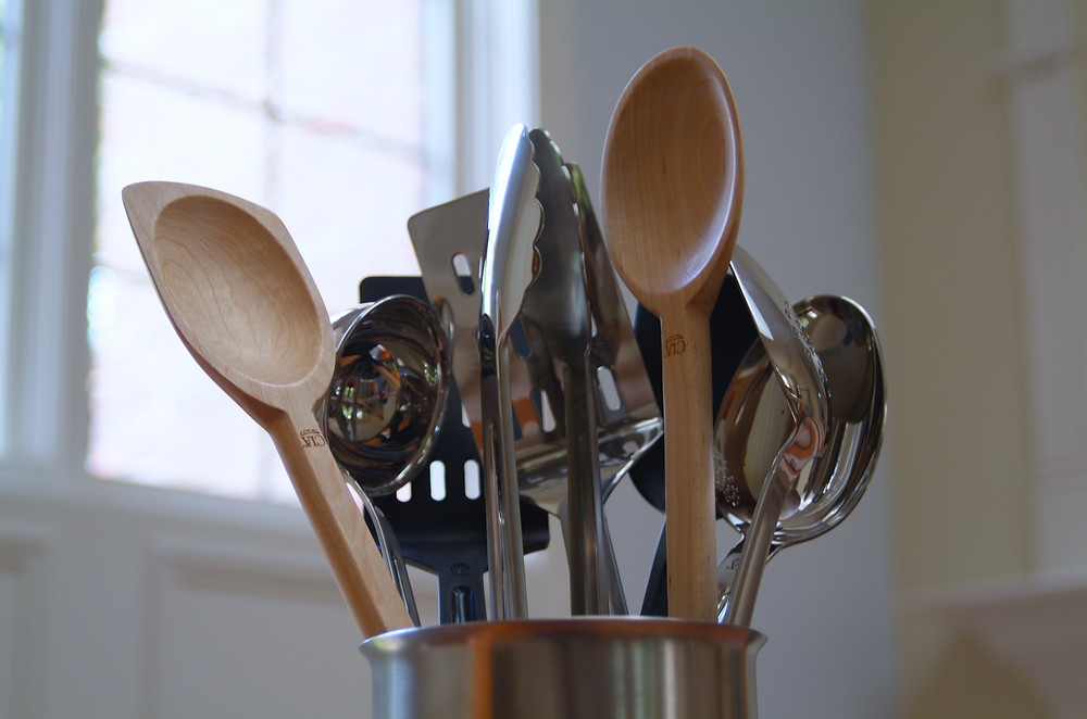http://www.culinaryartscenter.org/utensils/