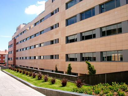 OFFICE BUILDING IN HUIDOBRO AVENUE