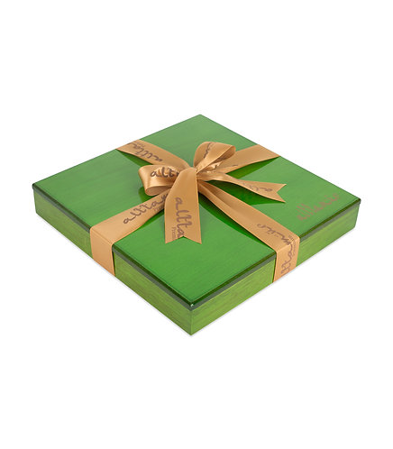 Luxury Green Wood Box with Assorted Dates