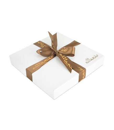 Luxury White Wood Box with Assorted Dates
