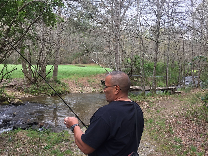Willie fishing.JPG