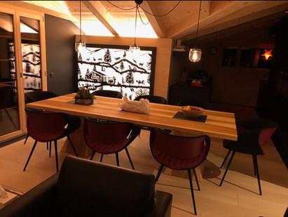 L'une de nos dernière réalisation sur mesure pour une  paroi coulissante en bois et plexiglas.