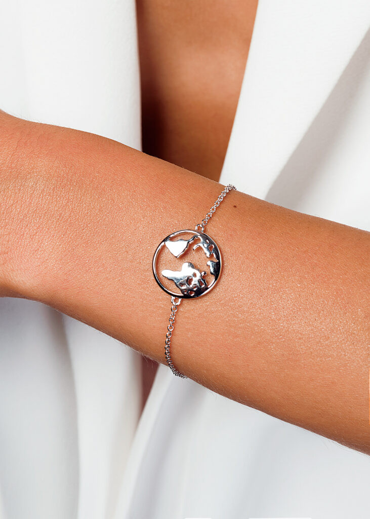 Image courtesy of Aymée Jewelry