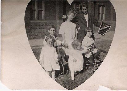 Jimmy Van Cise and family.jpg