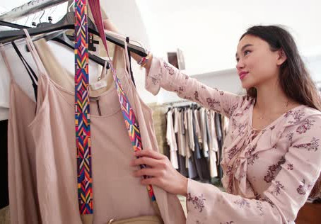 3 Ways To Keep Up-To-Date With Fashion Trends