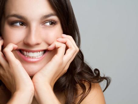 Apuesta por un sonrisa más brillante: hazte un blanqueamiento dental