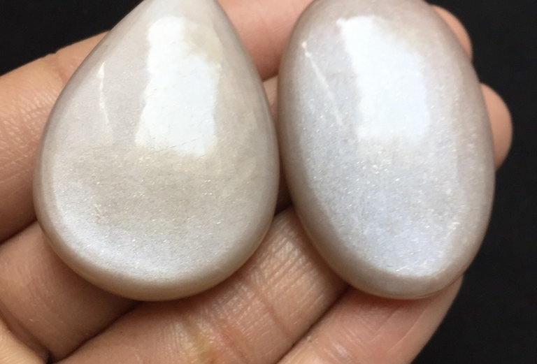 Moonstone Cabochon 2 Pieces Size: 41-40 MM Approx