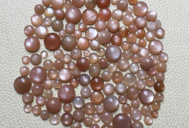 Peach Moonstone Cabochon 150 Pieces Size: 10-4 MM Approx