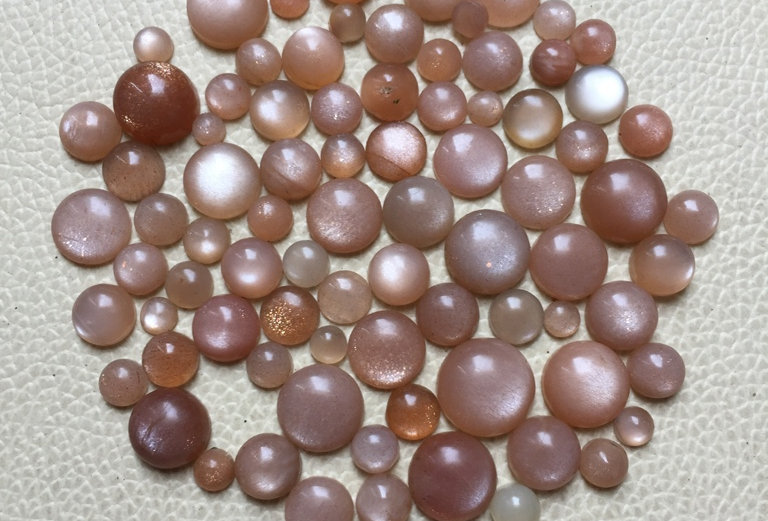 Peach Moonstone Cabochon 55 Pieces Size: 10-5 MM Approx