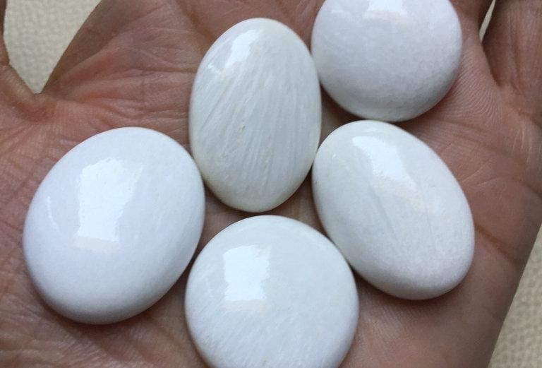 Scolecite Cabochon 5 Piece Size: 30-25 MM Approx