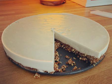 Delicious Vanilla Cheesecake with a pecan base