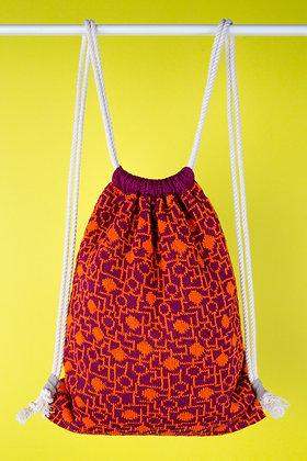 plecak bordowy w pomarańczowy układ