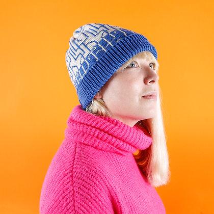 czapka w łamane linie niebieskie