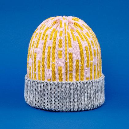czapka w żółte proste linie