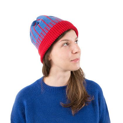 czapka w czerwoną kratkę